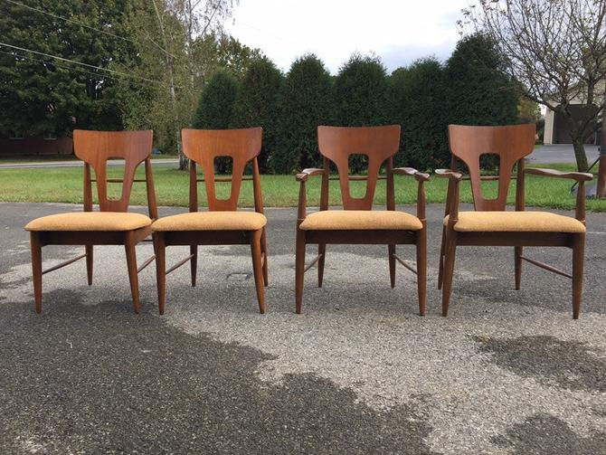 Young Manufacturing mid century modern walnut 4 chairs matching dining table by MadModWorldVintage