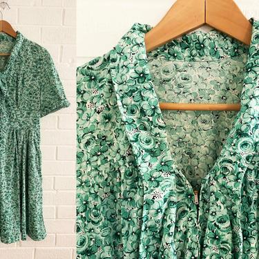 Vintage Green Floral Dress Fit and Flare Flowers Kelly Emerald White Tie Neck Mod MCM 70s 1970s Design Short Sleeve Women's Plus XL 2X Volup by CheckEngineVintage