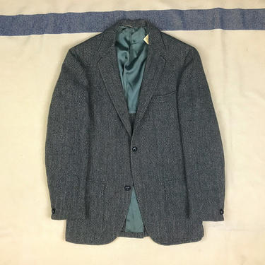 Size 37 Vintage 1960s 3 Roll 2 Gray Herringbone Ivy Sack Sport Coat w/ Hooked Vent by BriarVintage