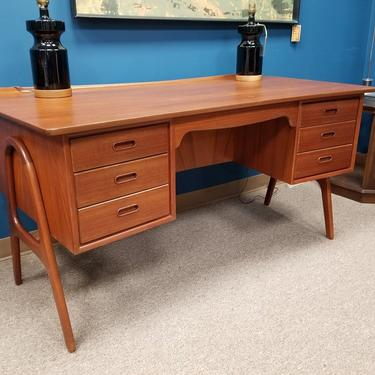Danish Modern teak model SH 180 desk by Svend Madsen for Sigurd Hansen