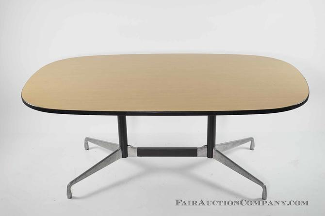Herman Miller Eames Aluminum Base Conference Table From Fair Auction - Eames oval conference table