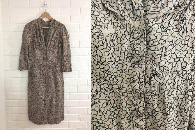 Vintage Brown Dress Abstract Floral Rayon 40s Black MCM Pattern Mid-Century Style 1940s Summer 3/4 Sleeve Meadow Women's Size Small S XS by CheckEngineVintage
