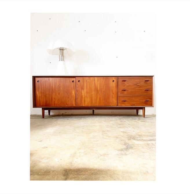 Danish Modern Long Credenza Console or Sideboard by FlipAtik