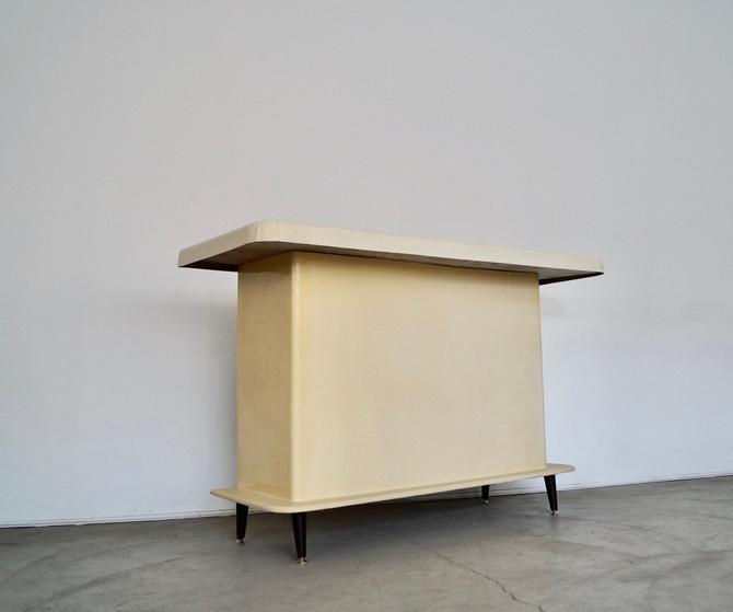 Mid-century Modern 1950's Fiberglass Free Standing Bar by CyclicFurniture