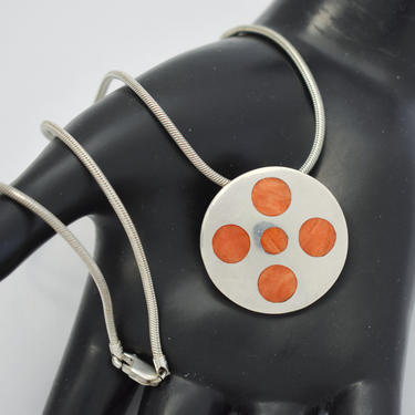 Edgy 80's Ilaria 950 silver orange spiny oyster round shield pendant, bold fine silver mollusk shell geometric snake chain necklace by BetseysBeauties