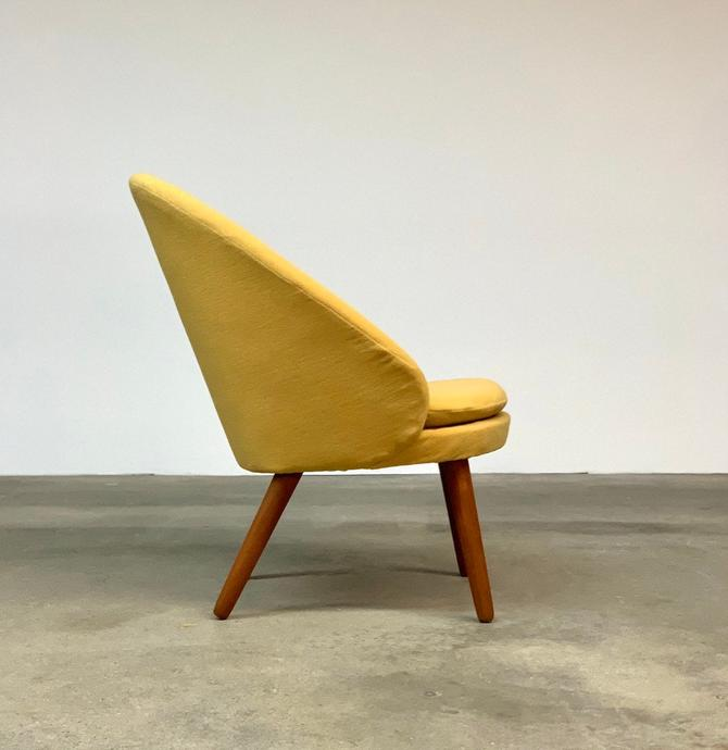 Ejvind Johansson | Model 301 'Easy Chair by Gotfred Petersen | Danish Modern by midcenTree