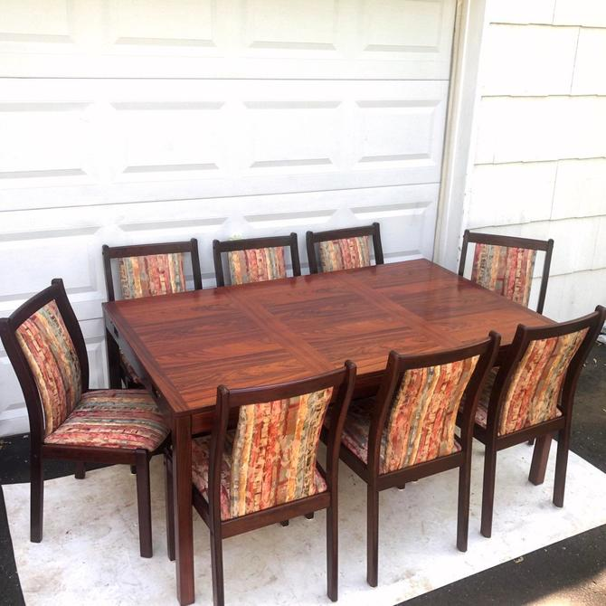 Scandinavian Modern Rosewood Dining Room Set w/ 8 Chairs by secondhandstory