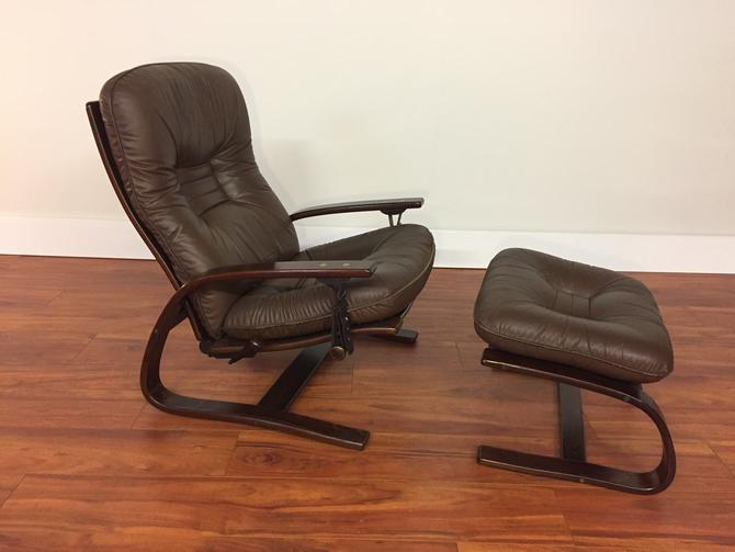 Westnofa Leather Reclining Arm Lounge Chair and Ottoman - Made in Norway by Vintagefurnitureetc