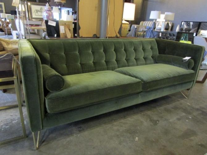 TUFTED GREEN VELVET SOFA