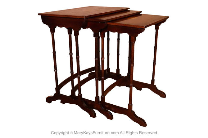 Federal Style Mahogany Satinwood Nesting Tables by Marykaysfurniture