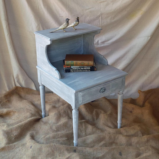 Brilliant Nightstand Accent Table In Grey Wash Distress Finish Vintage Coastal Beach Cottage Shabby Chic Poppy Cottage Painted Furniture By Poppycottage Home Interior And Landscaping Palasignezvosmurscom
