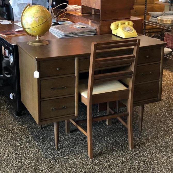 Adorable midcentury modern desk! $195
