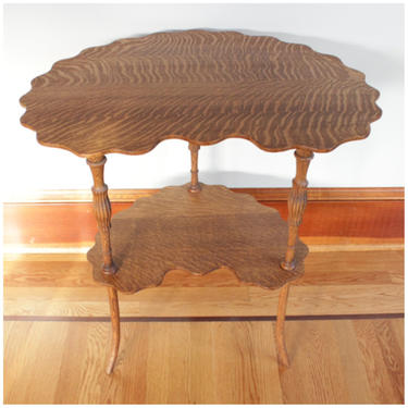 F4480 Antique American Quartersawn Oak Crescent Lamp, Occasional, Side Table with scalloped edge by bbbantiques