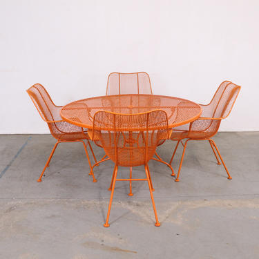 Mid-Century Modern Woodard Sculptura Table and Chairs by AnnexMarketplace