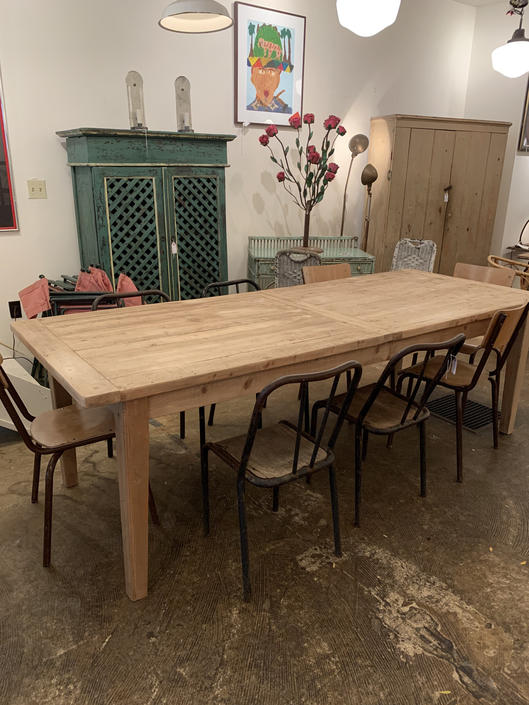 Gorgeous Pine Farm Table 8 Feet Extends to 10 Feet by coloniaantiques