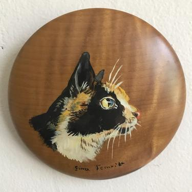 Vintage Calico Cat Mini Wall Hanging| Hand Painted Wooden Wall Decor by blindcatvintage