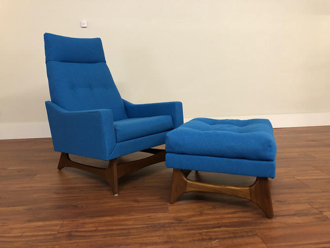 Mid-Century Modern Lounge Chair and Ottoman Newly Upholstered in Bright Blue Fabric by Vintagefurnitureetc