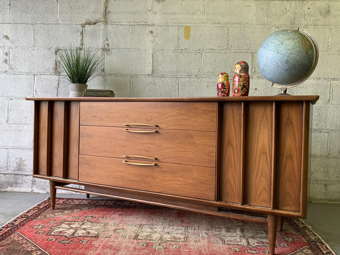 SCULPTED Mid Century Modern DRESSER / CREDENZA by Kent Coffey by CIRCA60