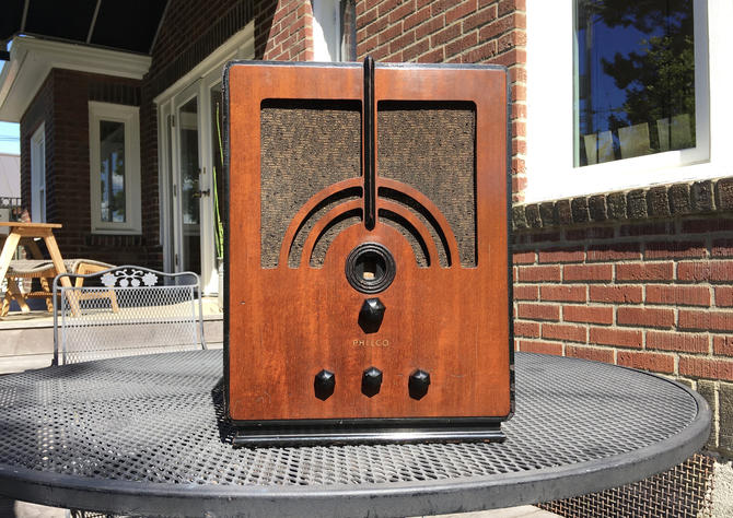 1934 Philco Tombstone AM Shortwave Art Deco Radio, Elec Restored 60MB by Deco2Go