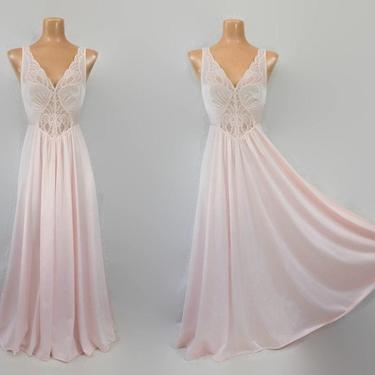 """VINTAGE 80s OLGA Light Baby Pink Nylon &  Lace Full 130"""" Sweep Nightgown 
