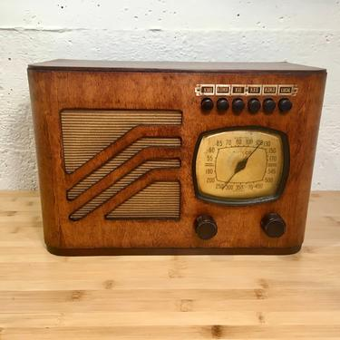Restored 1939 Philco Table Radio 39-7 AM, 5 Favorite Station Pushbuttons by Deco2Go