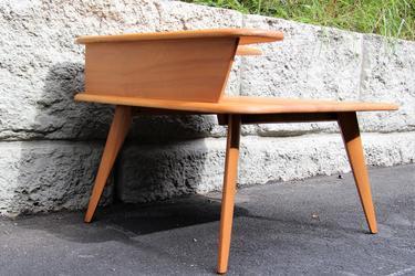 Mid Century Modern Corner Table By Heywood Wakefield By - Mid century modern corner table
