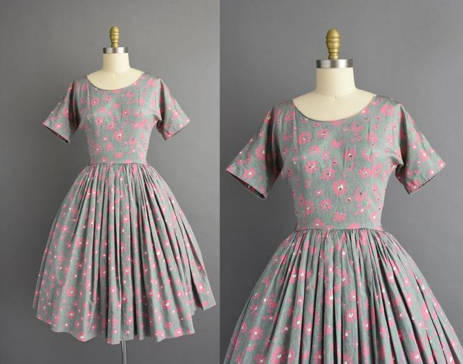 1950s vintage dress   Lucinda Gray Pink Floral Print Sweeping Full Skirt Cotton Dress   Small   50s dress by simplicityisbliss