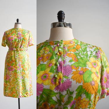 1960s Flower Power Plus Sized Dress by milkandice
