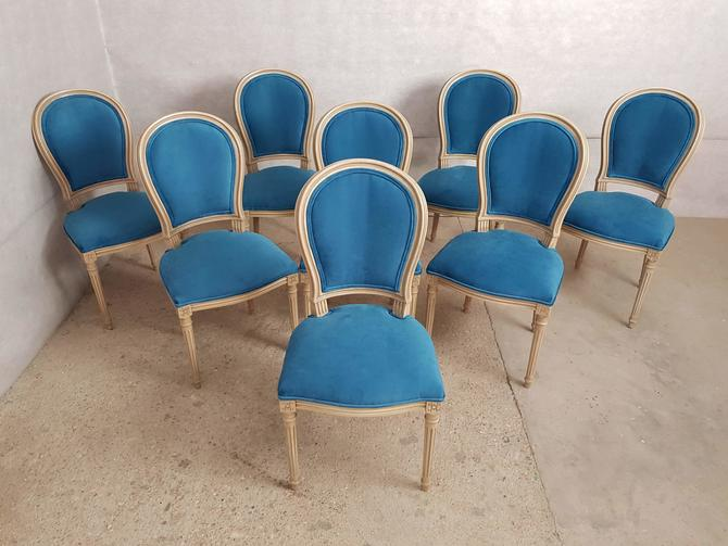 Gorgeous Set of 8 Vintage French Reupholstered Blue Turquoise Louis XVI Medallion Dining Chairs