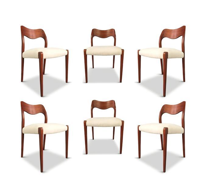 Niels O. Moller Six Solid Teak Chairs, Model 71 in White Velvet Midcentury