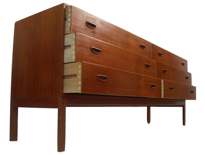 Teak Danish Modern Dresser by Arne Wahl Iversen = Vinde Mobelfabrik Nils Jonsson