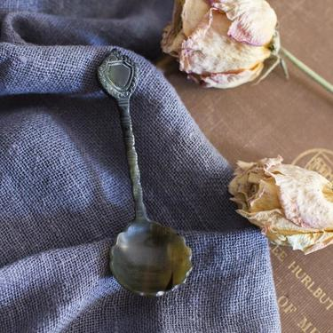 Hand Carved Horn Scallop Detail Round Spoon