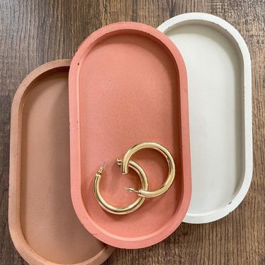 Concrete Oval Catchall Tray by SundayStudioOC