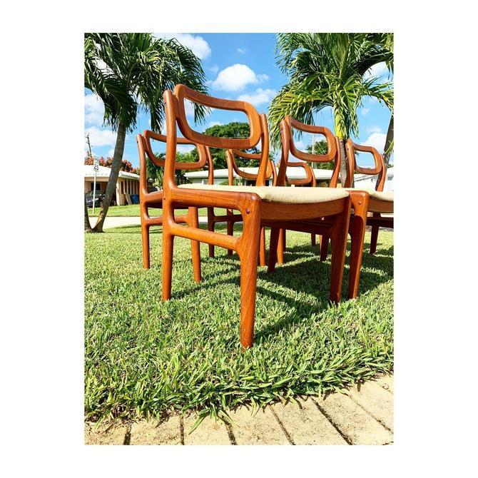 Vintage Teak Sculptural Dining Chairs set of 6 by FlipAtik
