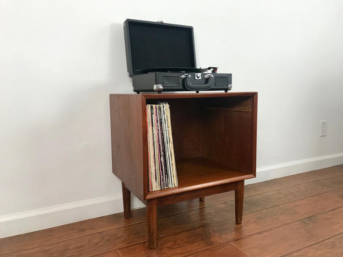MID CENTURY MODERN Record Player Stand/Record Album Storage/Nightstand by HouseCandyLA