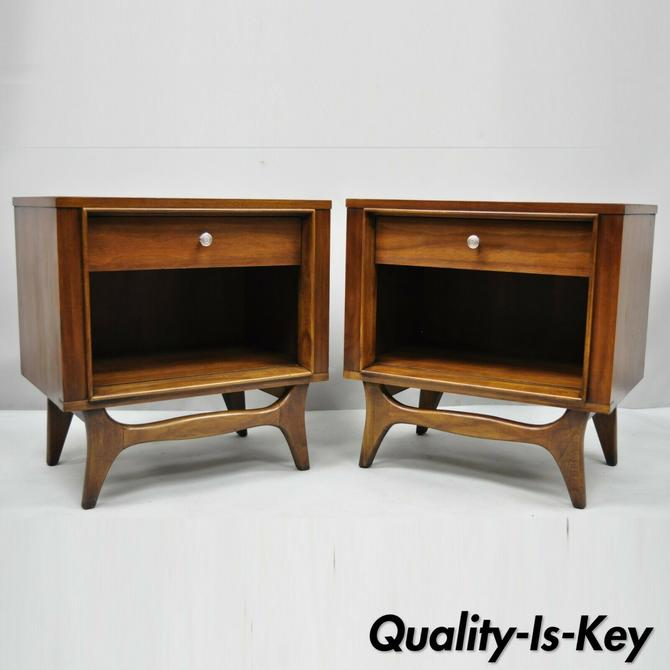 Pair Kent Coffey Insignia Walnut Mid Century Modern Nightstands Bedside Tables