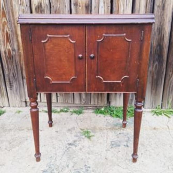 Vintage sewing table. Machine removed. Good for tv stand, entryway table or  end - Vintage Sewing Table. Machine Removed. Good For Tv Stand, Entryway