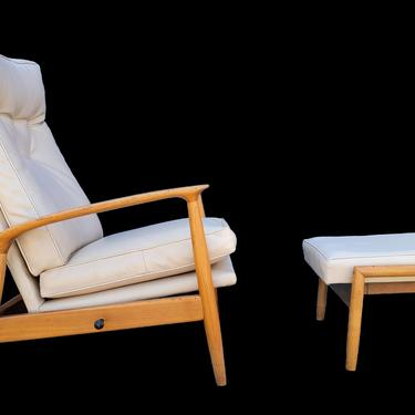 Recliner & Footstool by Milo Baughman by JanakosAndCompany