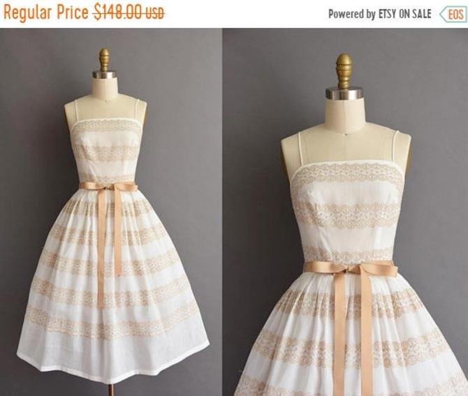 d40083860a 25% OFF BIRTHDAY SALE... vintage 1950s L  39 aiglon white cotton ...