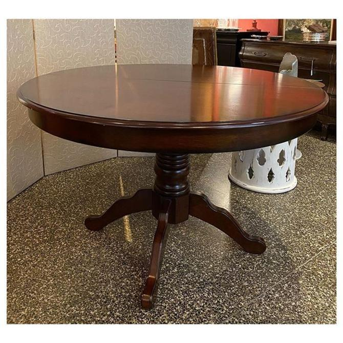 "Round dining table / pedestal base 47.5"" round / 30"" height"