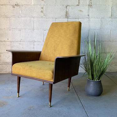 Mid Century Modern MULHAUSER styled BENTWOOD LOUNGE Chair by CIRCA60