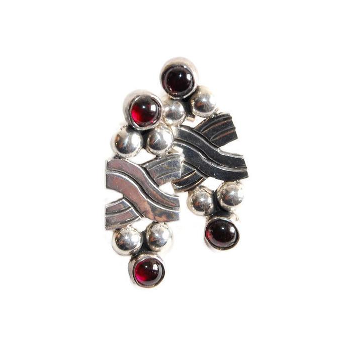 Modernist Tribal Earrings Vintage Garnet Sterling Earrings Southwestern Silver Jewelry by Curiopolis