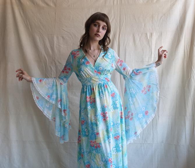 Vintage 70s Angel Sleeve Floral Maxi Dress/ 1970s Dramatic Bell Sleeve Garden Bohemian Dress/ Size Medium by bottleofbread