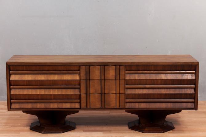 Mid Century Walnut Pedestal 9-Drawer Dresser