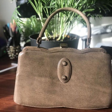 Tan 1950s handbag Mad Men by honeycombvintage