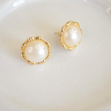 gold large pearl studs, gold pearl studs, gold pearl earring, small pearl studs, large peal earring, gift for her, bridesmaid, gold earring by melangeblancdesigns