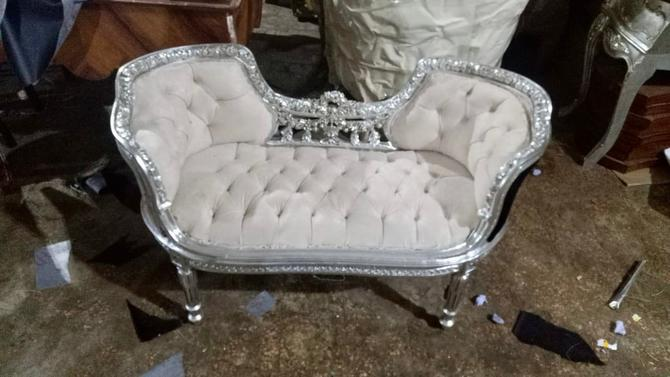 French Tufted Bench Silver Leaf Chair French Bench Tufted Bench Vintage Furniture Antique Baroque Furniture Rococo Interior Design Vintage by SittinPrettyByMyleen
