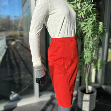 ESCADA Vintage 1980s Knit Wool/Cashmere/Silk Blend Knee Length Pencil Skirt - Red - Size 6 - 80s New With Tags Unworn Deadstock by AIDSActionCommittee