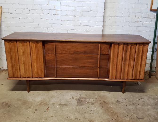 United Furniture Mid-century Modern Low Dresser