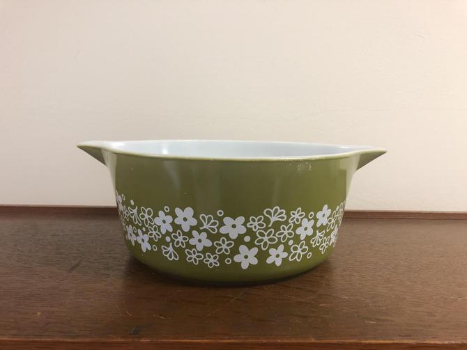 Vintage Pyrex Spring Blossom Crazy Daisy Green Casserole Dish 475-B, 2.5 QT, no lid by BlackcurrantPreserve